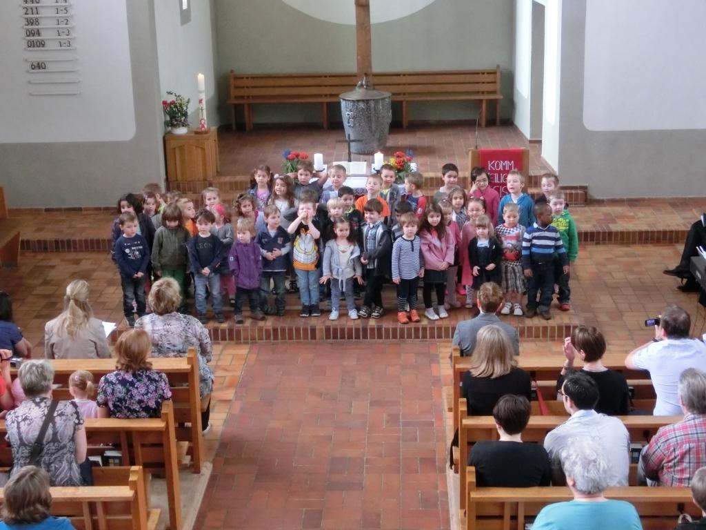 Die Kinder singen ein Lied